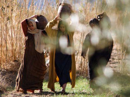 Mark 15 women serving