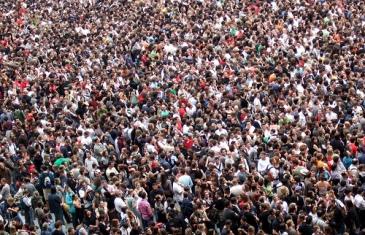 Mark 6 crowd.jpg
