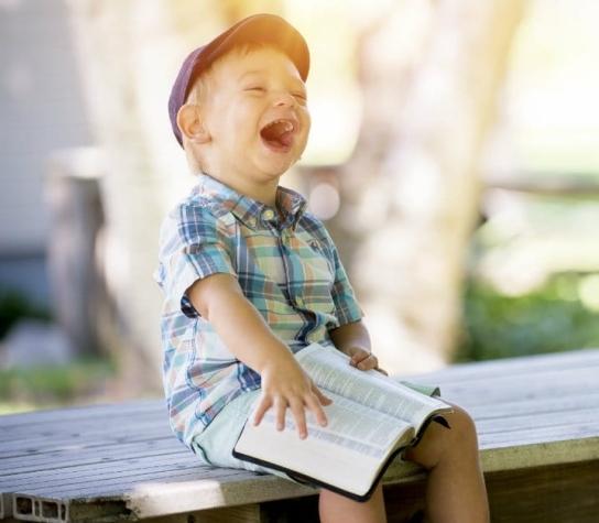 luke-18-child-and-bible.jpg