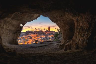 Genesis 19 cave living